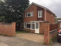 4 Bed detach house in Bletchley to let
