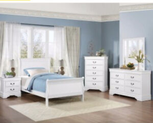 Queen Sleighbed Bedroom Set