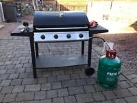 Barbecue & gas bottle
