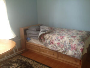 Captains bed frame- in Wolfville