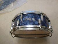 Edgware vintage drum kit