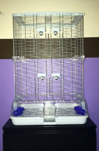 Very Large Perfect Condtion Vision Cage & Extras