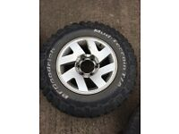 Mitsubhsi L200 2 full set tyres (alloys)