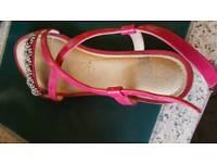 Excellent Condition, Pink, Clarks Pretty Sandals Size 6