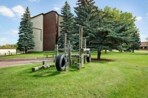 Lease This Spacious 2 Bedroom Apartment! Work Out Free!