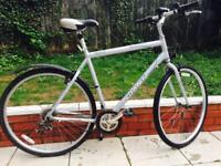 Men bike giant hybrid with X large frame light weight in excellent condition