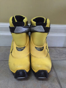 Salomon Equipe Team Cross Country/Nordic Yellow Ski Boots