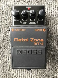pedal de distortion metal zone mt-2 boss
