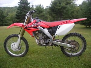 2006 Honda CRF250R for sale.