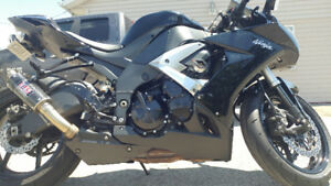 Mint 2009 zx10r for swap or trade