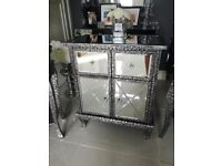 Compact sideboard / cabinet