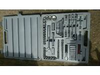 Complete socket set