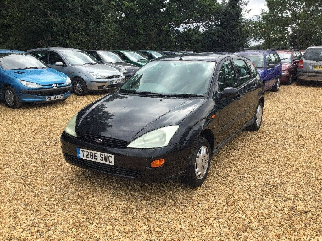 1999 ford focus 1 8 lx service history low milage 3 former keepers cheap car in finchampstead. Black Bedroom Furniture Sets. Home Design Ideas