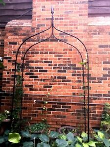 Fancy double width  *NEW CONDITION** Black Iron Arbor/Hoopa