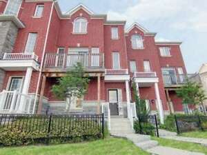 Vacant & Spacious 3 Bedroom 3 Bathroom Executive Townhouse