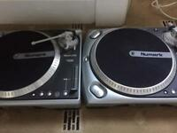 Numark TT200 turntables direct drive