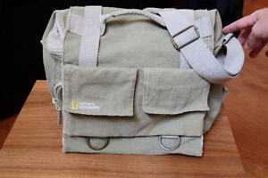 National Geographic Earth Explorer Bag