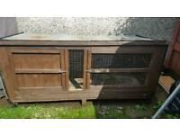 Large rabbit/ guinea pig hutch