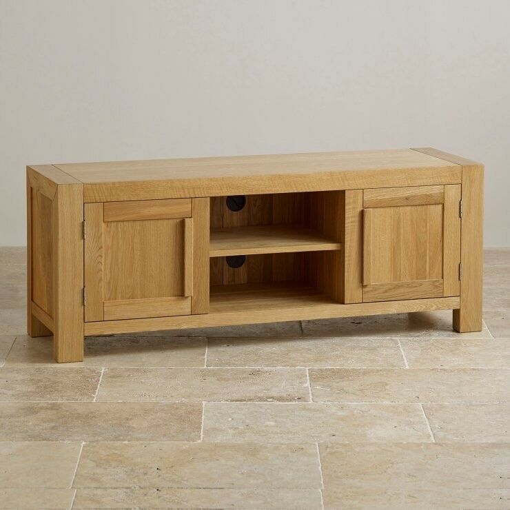 Oak furniture land large tv unitin Greenock, InverclydeGumtree - Oak furniture land large tv unit excellent condition ...solid sturdy piece of furniture too big for new house