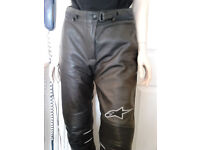 ALPINESTARS BLACK LEATHER MOTORCYCLE PANTS.