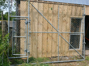 DOG KENNEL FRONT FENCE WITH GATE