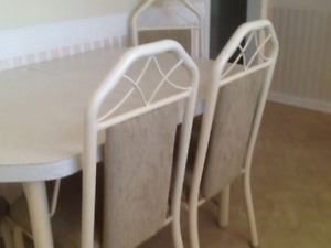 Kitchen/dining suite, very good condition, $90