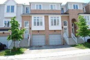 Luxury 3 Bed TownHouse Near Go Station 4 Lease