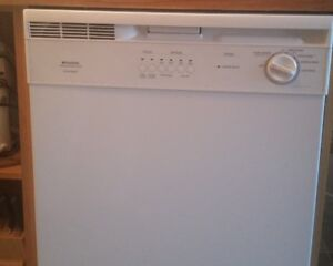 Frigidaire white dishwasher for $35