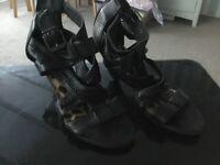 Ladies black leather sandals 👠 4