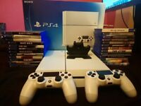 White 2TB PS4 £500 (BOXED)