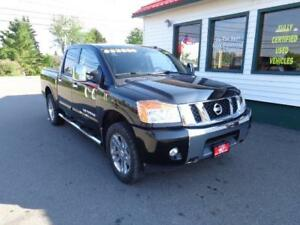 2014 Nissan Titan SL Crew Cab (LEATHER, NAV & MORE!)