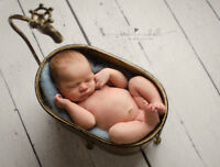 Experienced newborn photographer