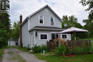 Country living 10 minutes north of Belleville Ontario