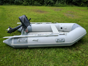 9.35ft Zodiac  Boat with 2003 5hp Nissan motor