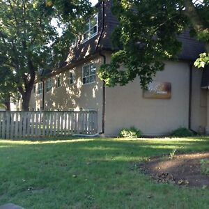 358 QUEENSTON ST., ST. CATHARINES, ON -- GOLFSIDE APARTMENTS