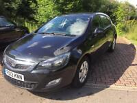 2012/// Vauxhall Astra 1,7 cdti. 5 doors, one owner, full mot , cheap tax drive lovely