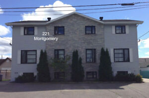 Beautiful Large 2 Bedroom MAIN FLOOR Apartment for rent