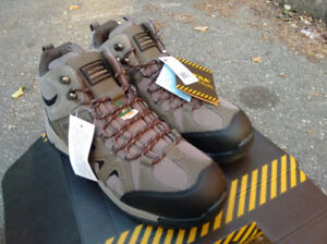 Steel Toe Safety Boots / Size 13 / NEW