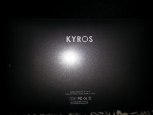 Coby Kyros E-reader with sleeve and case