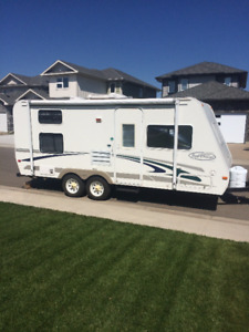 Lightweight RV trailer for rent