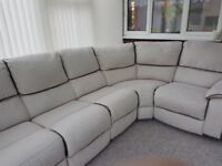 Corner sofa nearly new,.bought but never used.paid £1000 but will except £500.