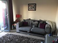2 double bed apartment with balcony on oakgrove,