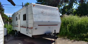 2004 Terry travel Trailer 28Ft
