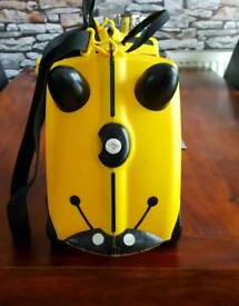 Bumble Bee trunki