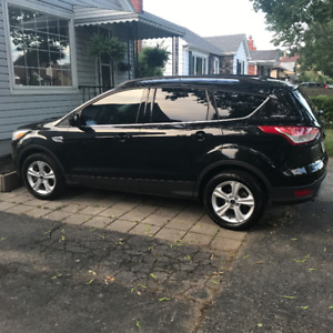 2015 Ford Escape Fully loaded and  INCLUDES MAINTENANCE