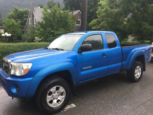 REDUCED PRICE!! 2005 Toyota Tacoma Offroad Pickup Truck
