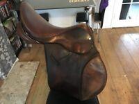 ideal horse saddle 17.5 wide