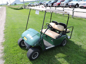 2005 EZGO GAS POWERED GOLF CART,*FINANCING AVAILABLE !