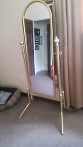 Full length stand up mirror