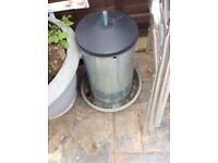 Large chicken feeder with lid